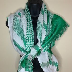 "Green Plaid Blanket Scarf 39"" Square"